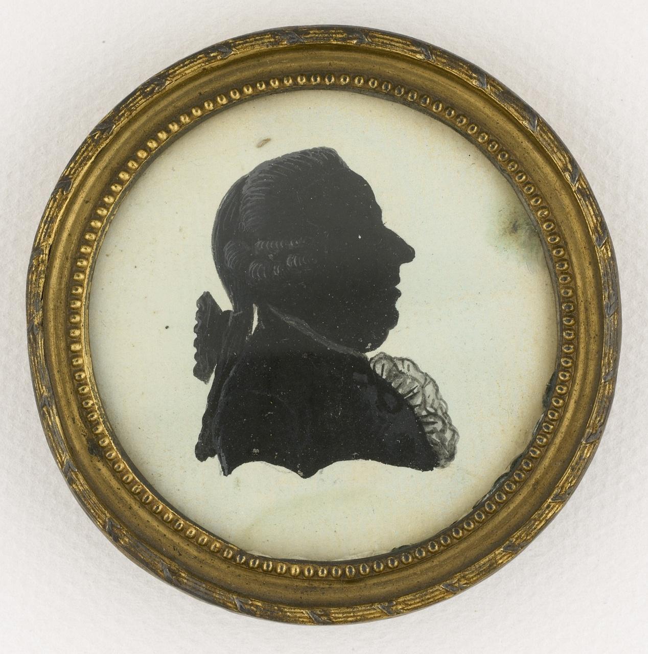 Miniatuur imitatieknipsel met portret en profil van P. Ackermans