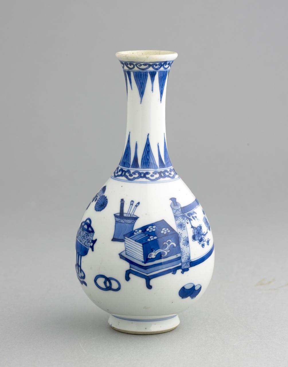 Vaas met Honderd Antiquiteiten in onderglazuur blauw