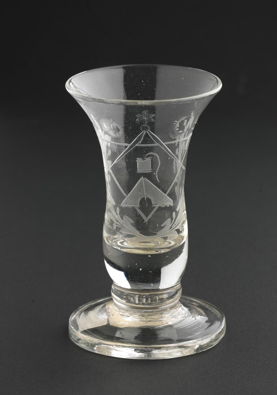Kelkglas radgravure vrijmetselaarssymbolen