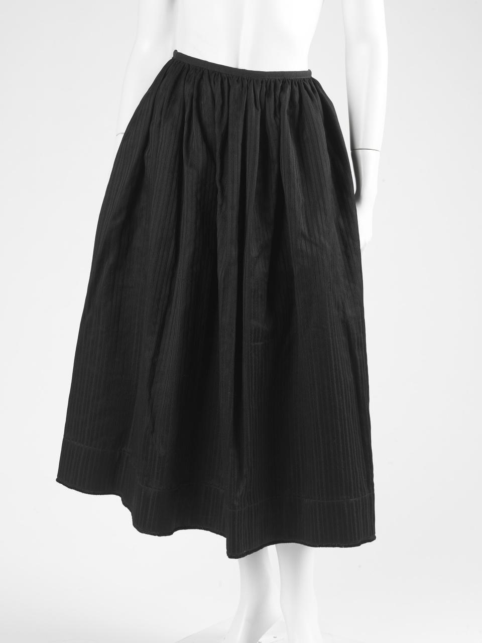 Zwarte rok met ingeweven streep