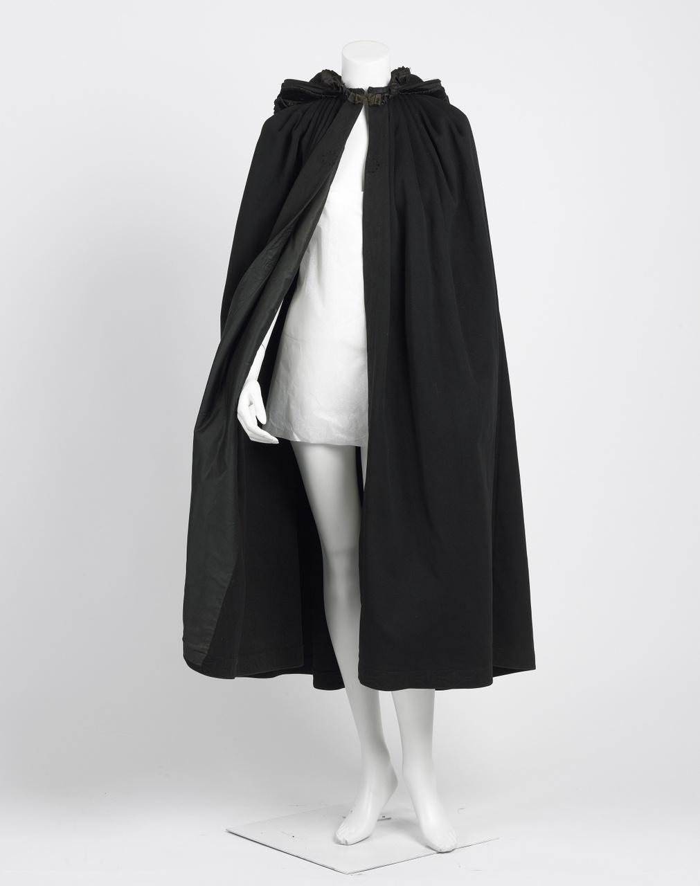 Zwarte manteline