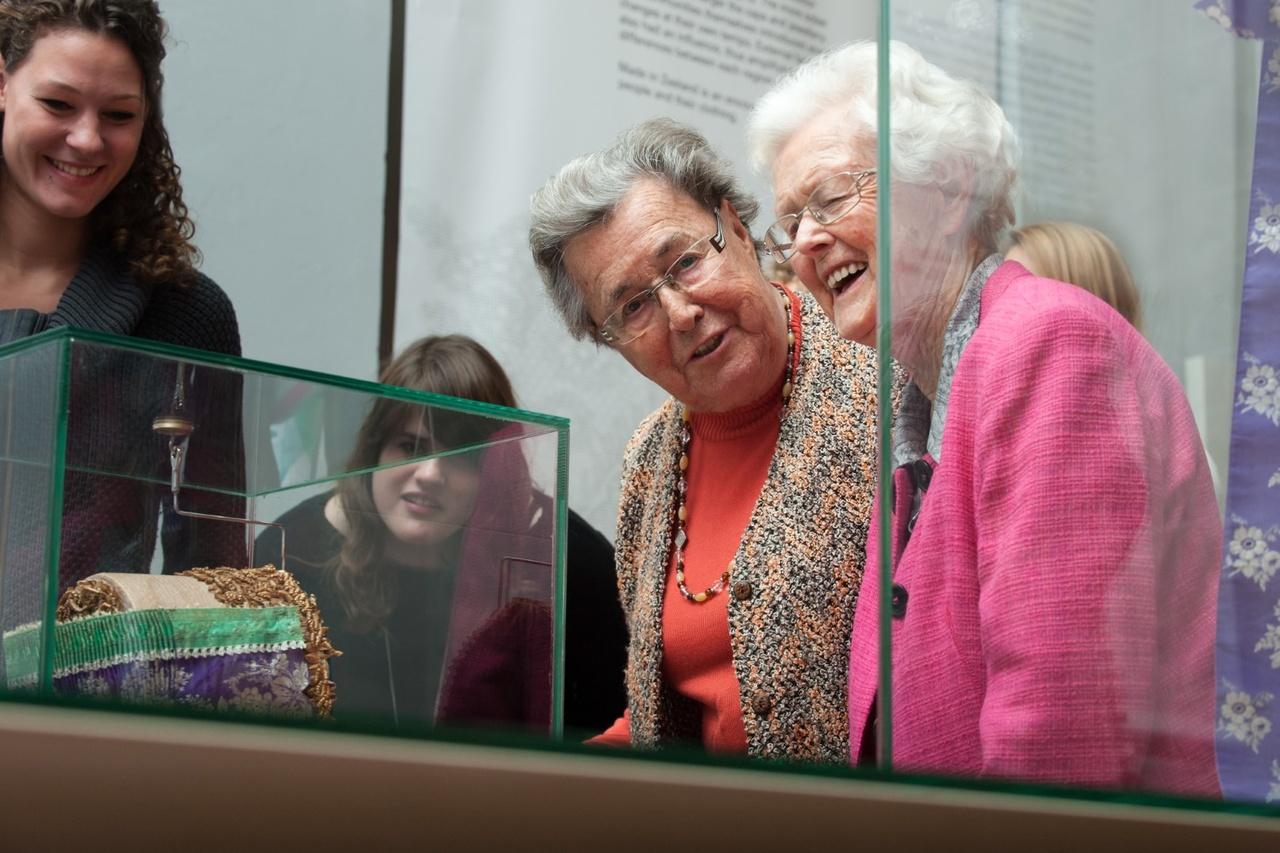 Huis van Herinnering met studenten van Willem de Koning in Zeeuws Museum (Groot).jpg